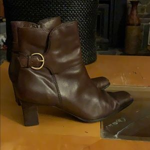 Anne Klein the Majayde brown leather boots size 8M